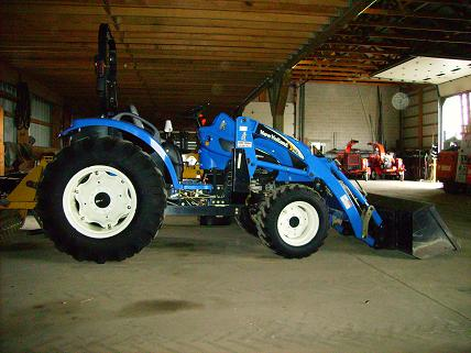 Where to find TRACTOR-NEW HOLLAND TC40A W LOADER in Lancaster